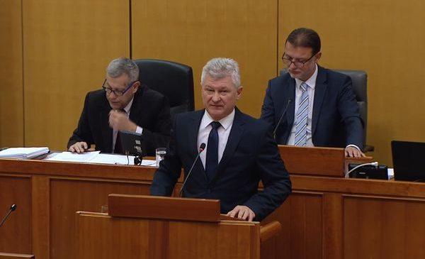 Branko Hrg o neradnoj nedjelji u Saboru