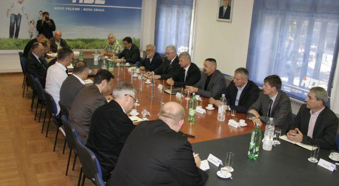 Potpora ulasku HSLS-a i Kolindi Grabar Kitarović te zajednička razrada gospodarskog programa!