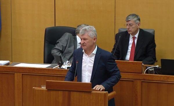 Politička histerija stvara ozračje da se u Hrvatskoj ništa ne može riješiti