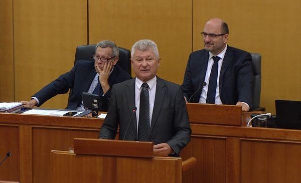 Branko Hrg: Kad glasam za neki zakon očekujem poboljšanja!