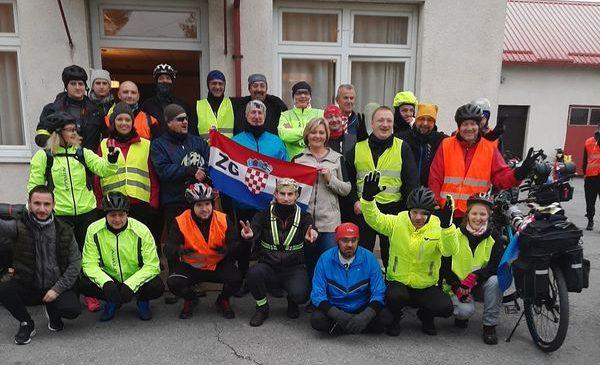 """Tradicionalna akcija """"Biciklom za Vukovar"""" doček i ispraćaj ponovno u Novoselcu"""